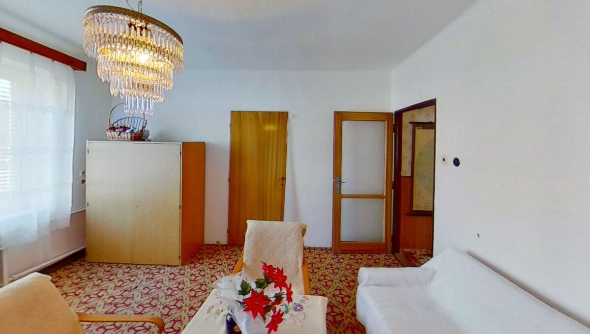 7Mhj2uzXY95-Bedroom