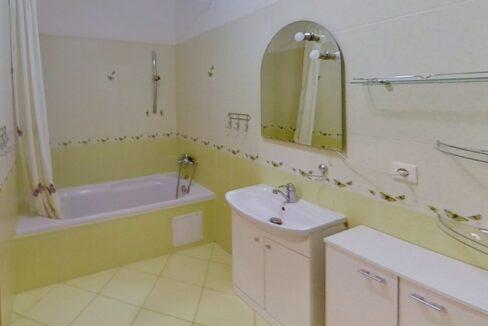 3832H-Vlarska-Bathroom